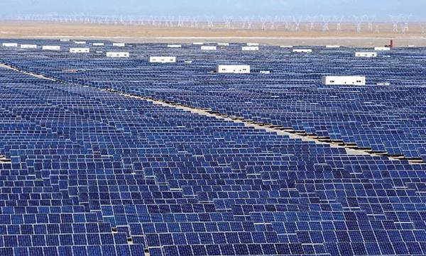 Trung Quốc chi mạnh 360 tỷ USD cho tham vọng bá chủ các công trình năng lượng xanh  - Ảnh 2.