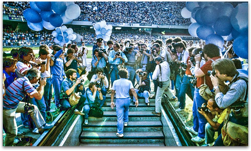 Ở nơi ấy, Maradona là siêu sao, là thánh sống, là Chúa trời - Ảnh 3.