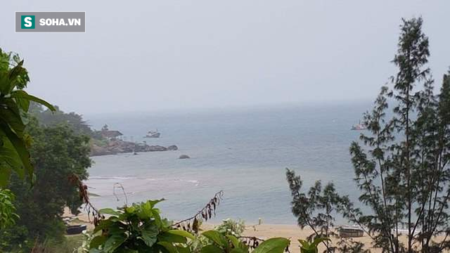 Xuất hiện thêm vệt nước màu đỏ trên biển Hà Tĩnh, Đà Nẵng - Ảnh 2.