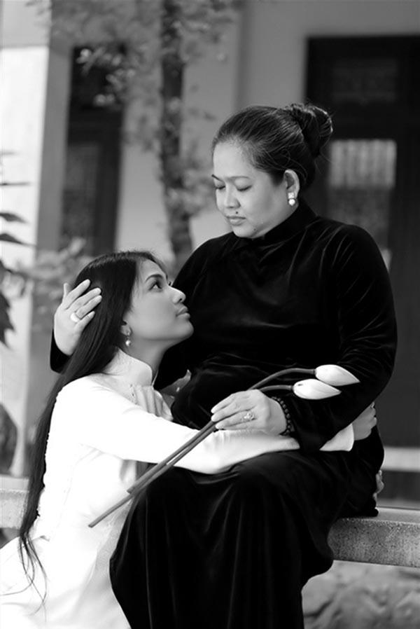 Người thân Sao Việt không chỉ nâng váy, kéo vali - ảnh 14