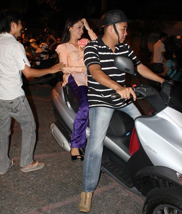 Người thân Sao Việt không chỉ nâng váy, kéo vali - ảnh 4