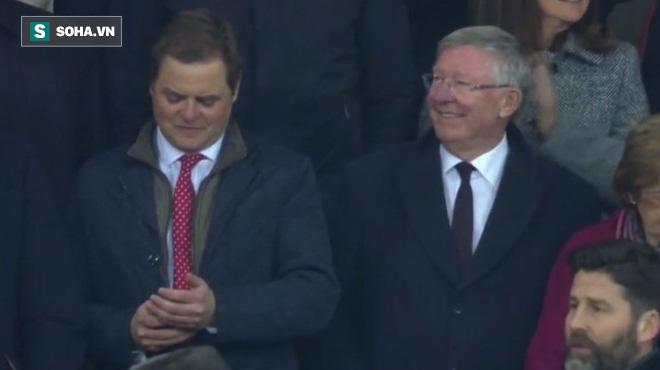Giành cúp, Mourinho san bằng kỷ lục của Sir Alex Ferguson - Ảnh 1.