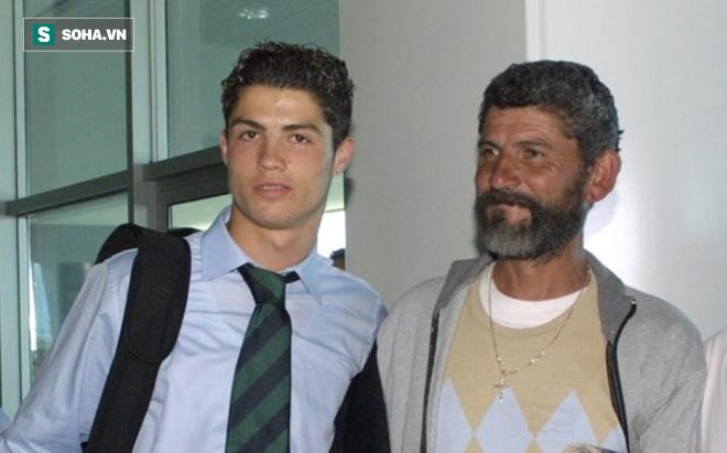 Ronaldo thành công là do... ý Chúa - Ảnh 1.
