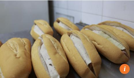 Những quán bánh mì Việt Nam ngon nức tiếng được báo Hong Kong ca ngợi - Ảnh 3.