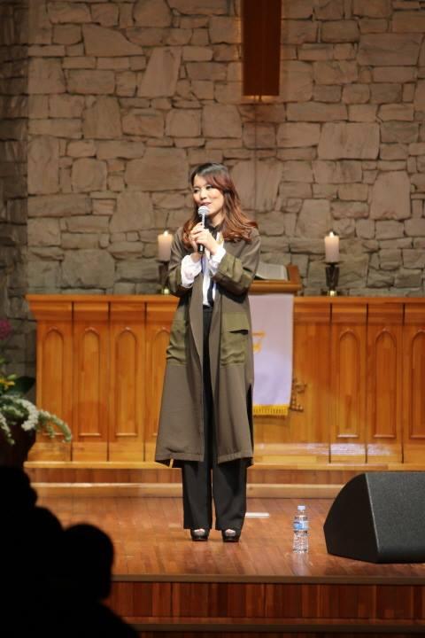 Bị ung thư và không có con, nữ ca sĩ này vẫn được bố mẹ chồng yêu quý  - Ảnh 6.