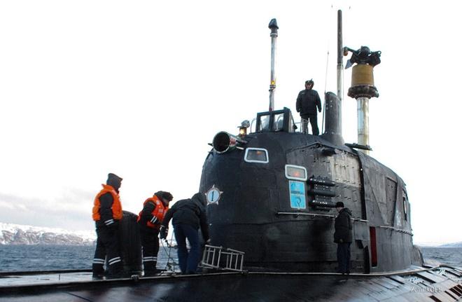 Chiến công kỳ lạ: Tàu ngầm hạt nhân Nga tiêu diệt tàu Mỹ mà không tốn một viên đạn - Ảnh 2.