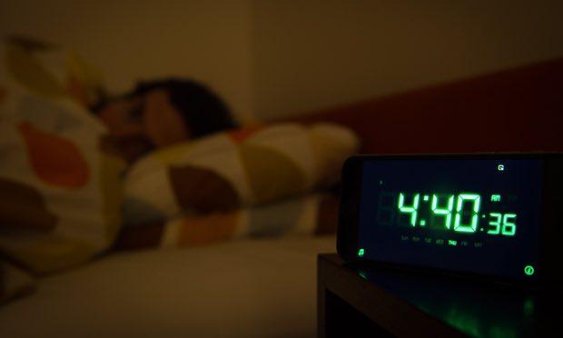 Nóng lên toàn cầu leo thang, con người có thể sẽ không còn ngủ đủ 8 tiếng/ngày - Ảnh 2.