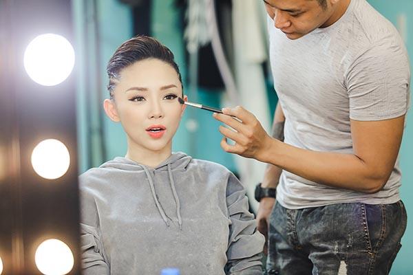 Tóc Tiên khoe eo thon quyến rũ - Ảnh 1.