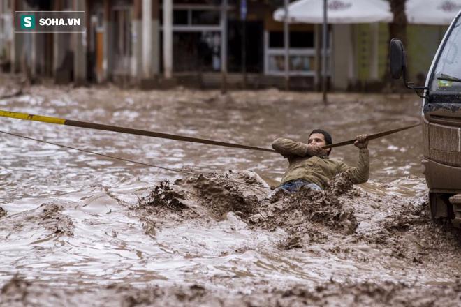 Phá vỡ mọi quy luật tự nhiên, thảm họa thời tiết El Nino tiếp tục hành con người năm 2017 - Ảnh 4.