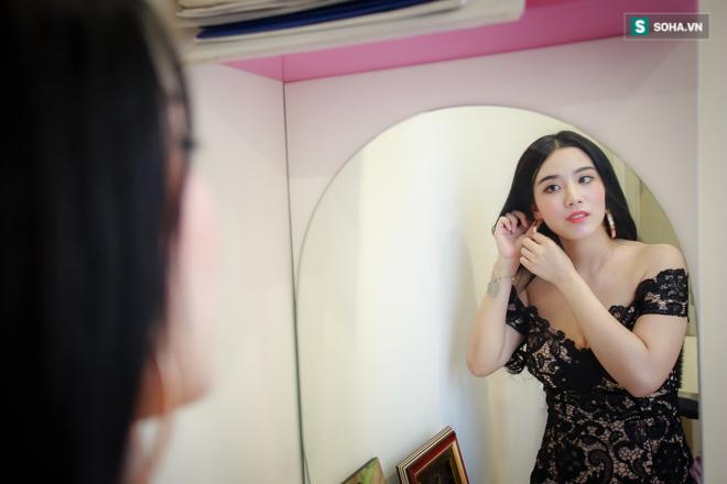 Linh Miu trần tình về bộ ảnh phản cảm gây sốc, chụp trước mặt trẻ em - Ảnh 2.