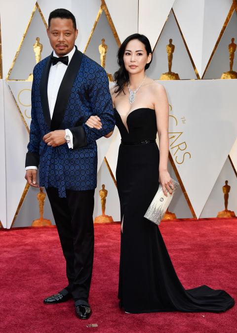 Thảm đỏ Oscar 2017: Mỹ nhân 50 Sắc Thái mờ nhạt dù mặc toàn đồ hiệu - Ảnh 19.