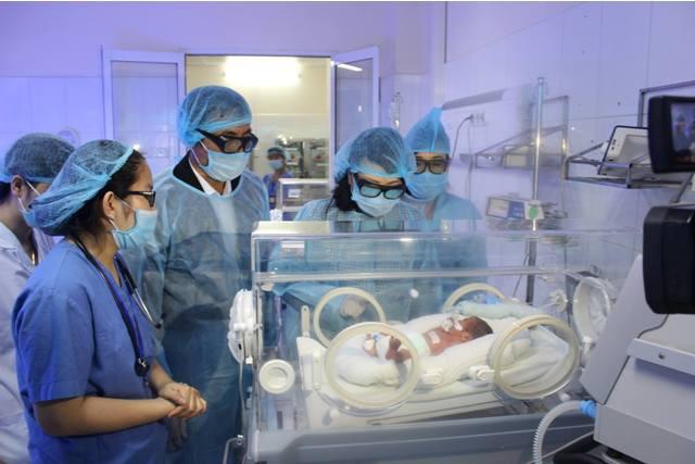 PGS nói vụ 4 trẻ tử vong ở Bắc Ninh: Chính bố tôi cũng mất vì nhiễm khuẩn bệnh viện - Ảnh 1.