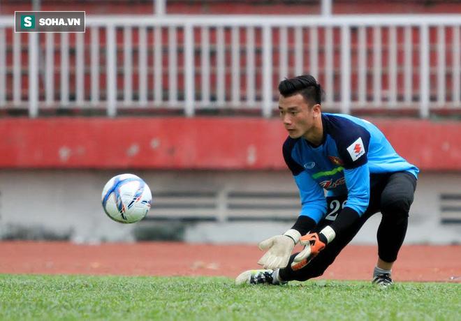 Lý do thủ môn Việt Nam dễ dính phốt ở thời điểm quyết định - Ảnh 3.