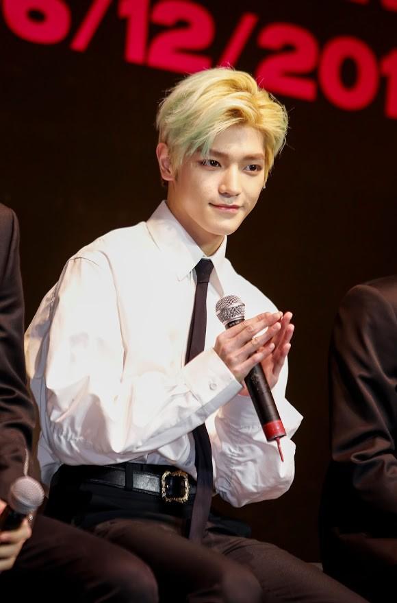 Nhóm NCT 127 bất ngờ trước sự hâm mộ cuồng nhiệt của fan Việt - Ảnh 3.