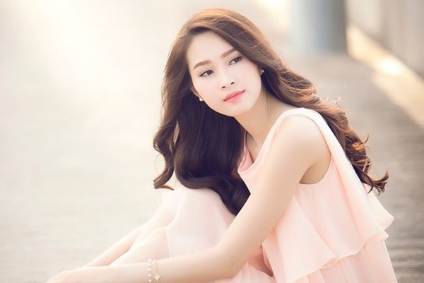 Việt Hùng nói Thu Thảo làm mất giá trị của Hoa hậu: Thưa anh, Thu Thảo rất đàng hoàng và sự giả dối thì khó tồn tại! - Ảnh 1.