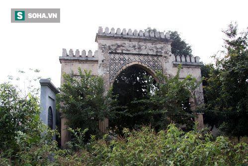 Cổng làng Bab Al-Maghariba tại Ba Vì, Sơn Tây. Ảnh: NVCC