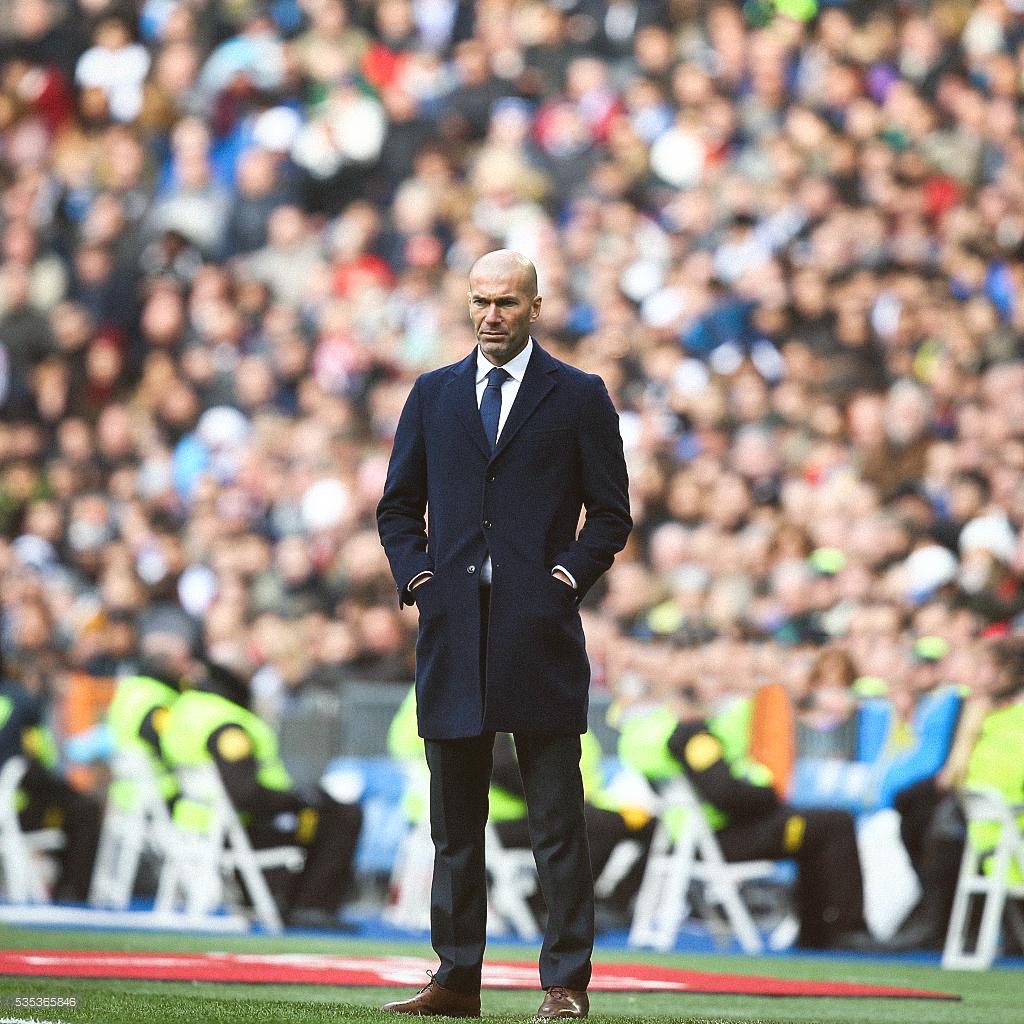 Trong tay Zinedine Zidane, quyền lực trở nên lung linh đến khó cưỡng - Ảnh 6.