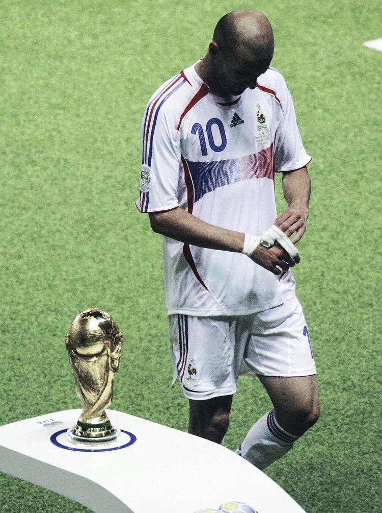 Trong tay Zinedine Zidane, quyền lực trở nên lung linh đến khó cưỡng - Ảnh 13.