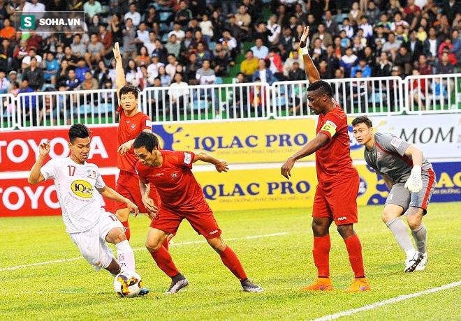 Sao U22 Việt Nam bất ngờ khi biết bầu Đức không cho sang châu Âu chơi bóng - Ảnh 1.