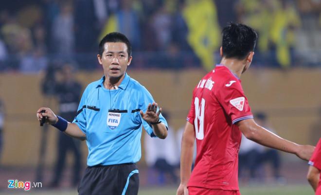 V-League xấu xí thế nào trong mắt cầu thủ, chuyên gia nước ngoài? - Ảnh 1.