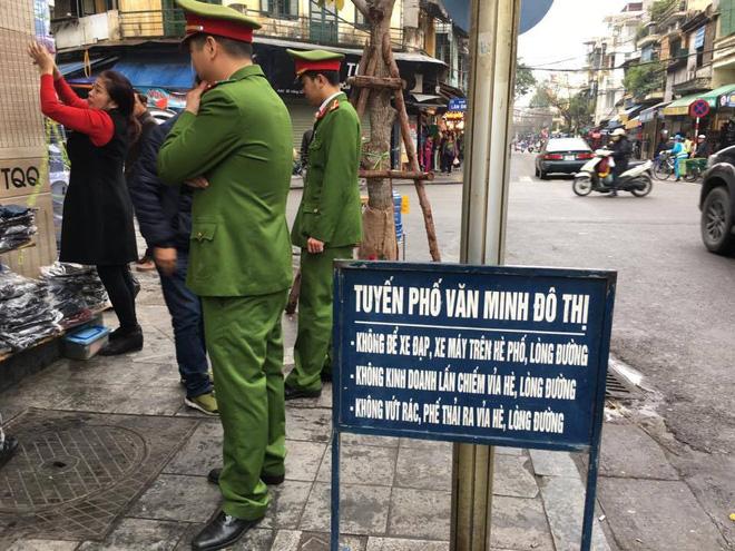 Ông Lê Hồng Giang: Vỉa hè Việt Nam – Kinh tế mặt tiền và kinh tế hàng rong - Ảnh 2.