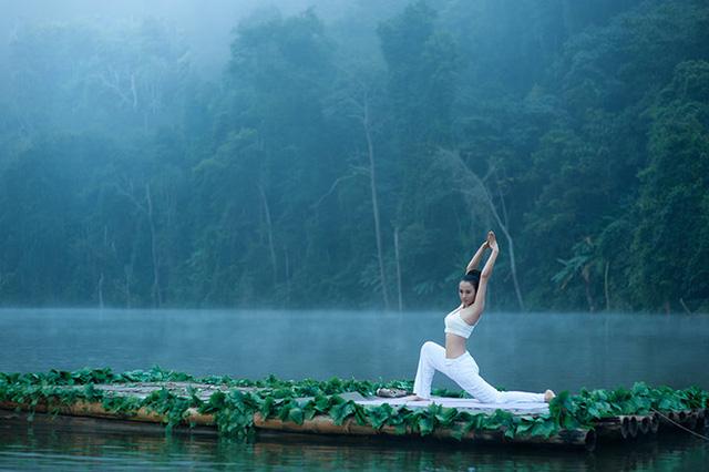 Tác dụng kỳ lạ của Yoga Cười: Sóng năng lượng chữa bệnh chạy khắp cơ thể - Ảnh 1.