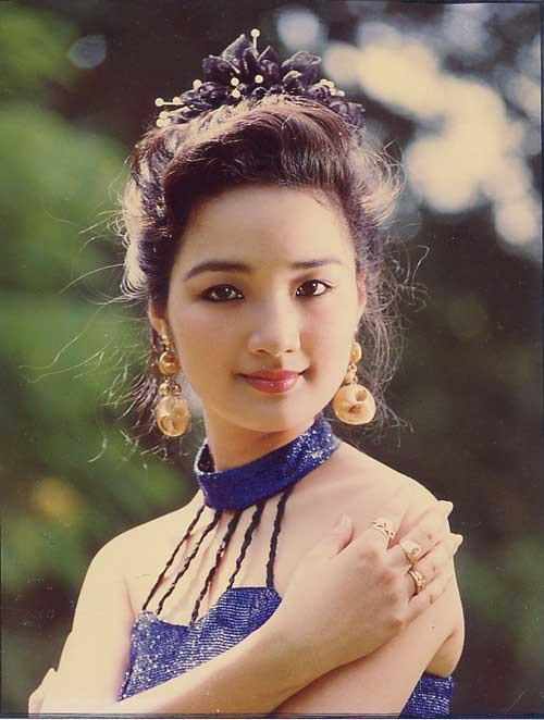 Những người đẹp Việt Nam một lần lên ngôi Hoa hậu, tại vị suốt hàng chục năm vẫn không có người kế nhiệm để trao vương miện - Ảnh 1.
