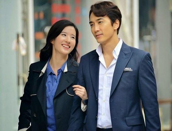 3 năm hò hẹn, chuyện tình Song Seung Hun - Lưu Diệc Phi kết thúc buồn như phim Third Love - Ảnh 2.