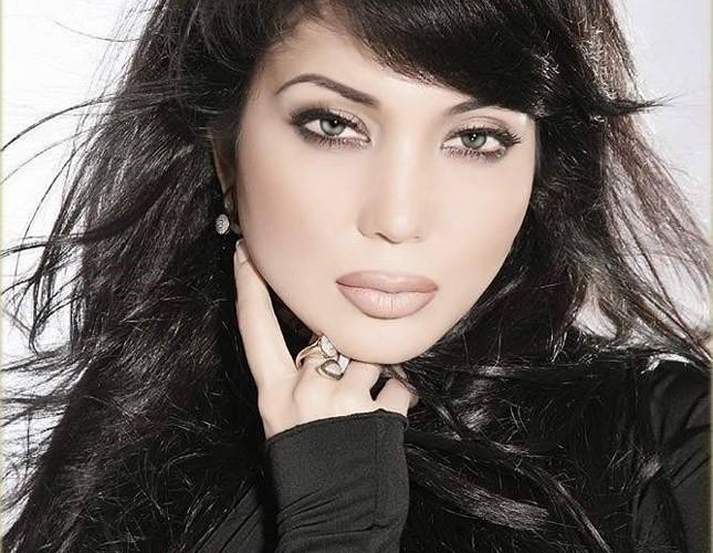 Ảnh: Phụ nữ Uzbekistan đẹp lôi cuốn đầy mê hoặc - Ảnh 1.
