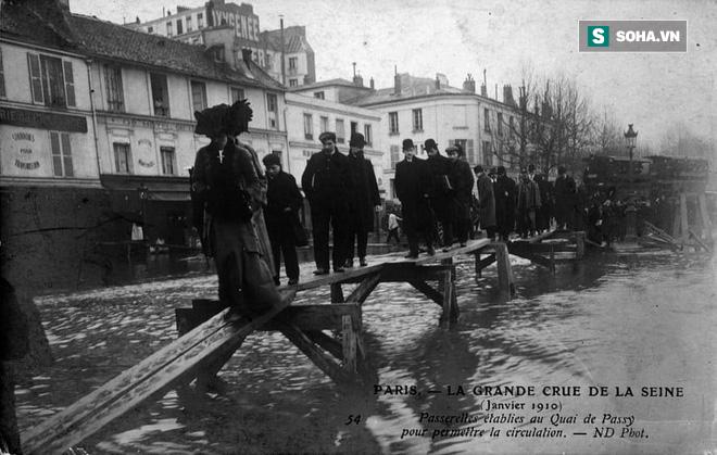 Hệ thống cống ngầm khổng lồ dưới chân Paris hoa lệ chống lũ lụt như thế nào? - Ảnh 2.