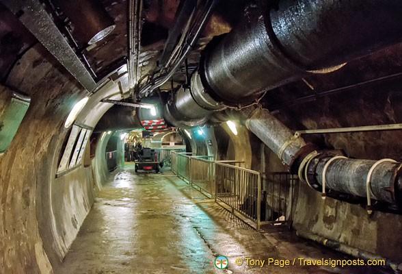 Hệ thống cống ngầm khổng lồ dưới chân Paris hoa lệ chống lũ lụt như thế nào? - Ảnh 10.
