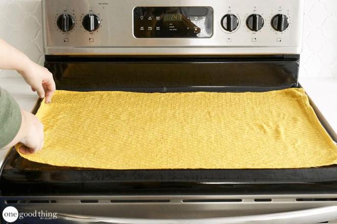 Làm sạch bếp từ chưa bao giờ nhanh gọn, tiện lợi đến thế với nguyên liệu có sẵn trong nhà bếp - Ảnh 6.