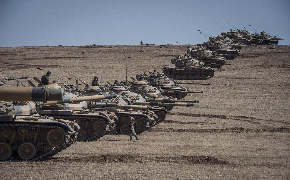 Bất chấp Thổ Nhĩ Kỳ, Mỹ kiên quyết cố thủ ở Manbij, không ngại đụng độ tại biên giới Syria