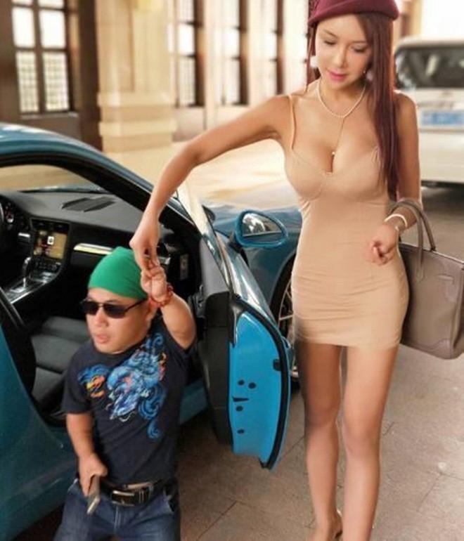 Cung Nguyệt Phi khoe ảnh tắm biển với bạn trai cao 1m - Ảnh 4.
