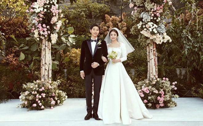 Hai đám cưới khủng nhất showbiz Hàn 2017: Mối lương duyên ngọt ngào của những ông hoàng, bà chúa - ảnh 4