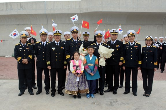 Tàu 015-Trần Hưng Đạo tham dự duyệt binh tàu quốc tế tại Jeju, Hàn Quốc - ảnh 4