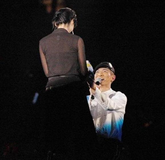 Mỹ nhân được Lưu Đức Hoa quỳ gối tỏ tình: Yêu phải bạn trai vũ phu, tuổi 50 sống cảnh khó khăn - Ảnh 9.