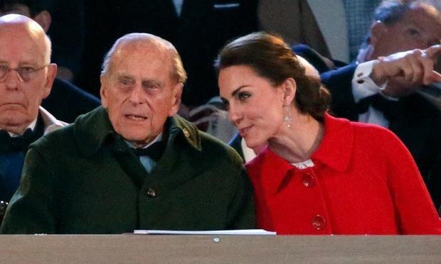 Mối quan hệ đặc biệt giữa Công nương Kate với thành viên quyền lực nhất nhì Hoàng gia Anh này khiến bà Camilla vừa ngưỡng mộ vừa ghen tị - Ảnh 2.