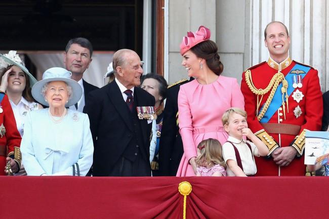 Mối quan hệ đặc biệt giữa Công nương Kate với thành viên quyền lực nhất nhì Hoàng gia Anh này khiến bà Camilla vừa ngưỡng mộ vừa ghen tị - Ảnh 4.