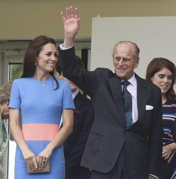 Mối quan hệ đặc biệt giữa Công nương Kate với thành viên quyền lực nhất nhì Hoàng gia Anh này khiến bà Camilla vừa ngưỡng mộ vừa ghen tị - Ảnh 6.