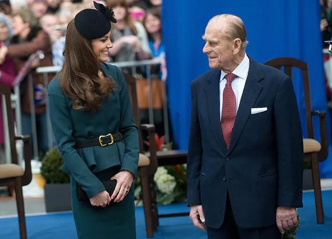 Mối quan hệ đặc biệt giữa Công nương Kate với thành viên quyền lực nhất nhì Hoàng gia Anh này khiến bà Camilla vừa ngưỡng mộ vừa ghen tị - Ảnh 7.