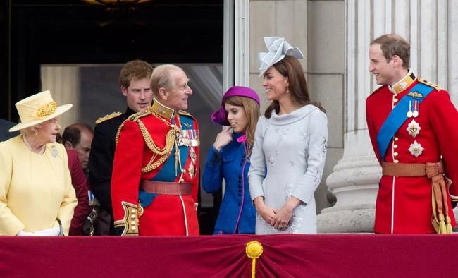 Mối quan hệ đặc biệt giữa Công nương Kate với thành viên quyền lực nhất nhì Hoàng gia Anh này khiến bà Camilla vừa ngưỡng mộ vừa ghen tị - Ảnh 8.