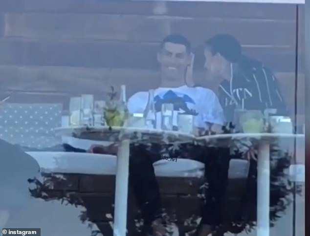 Tiết lộ: Real Madrid ép Ronaldo dùng tiền che giấu vụ án hiếp dâm - Ảnh 2.