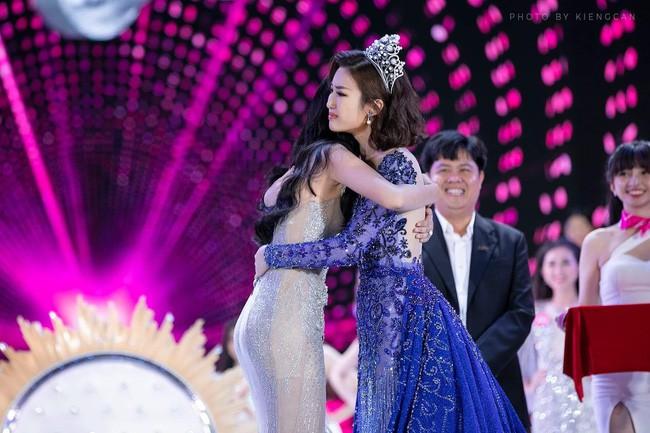 Hoa hậu Đỗ Mỹ Linh tiết lộ về bữa ăn tối thân mật cùng tân Hoa hậu Trần Tiểu Vy - Ảnh 1.