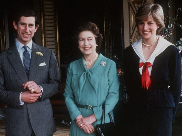 Công nương Diana, cho đến tận lúc nhắm mắt xuôi tay, cô đã để lại một hình ảnh đẹp trong lòng mẹ chồng.