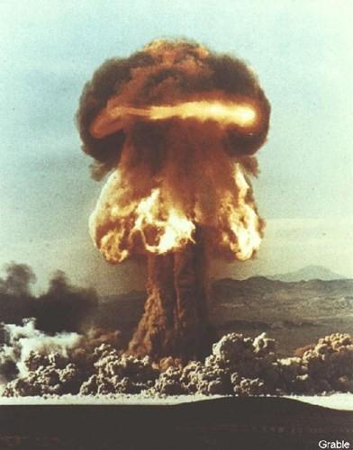 Ảnh màu hiếm về các vụ thử hạt nhân chấn động của Mỹ giữa thế kỷ 20 - Ảnh 12.