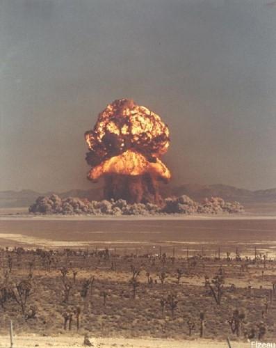 Ảnh màu hiếm về các vụ thử hạt nhân chấn động của Mỹ giữa thế kỷ 20 - Ảnh 18.