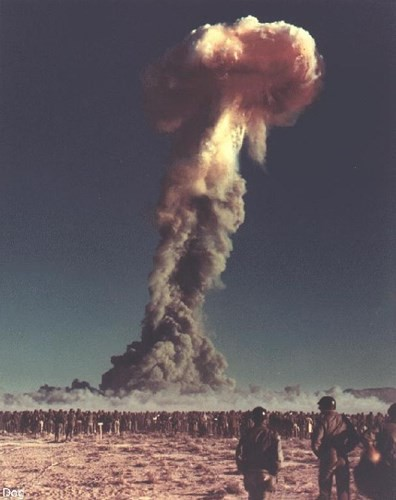 Ảnh màu hiếm về các vụ thử hạt nhân chấn động của Mỹ giữa thế kỷ 20 - Ảnh 6.