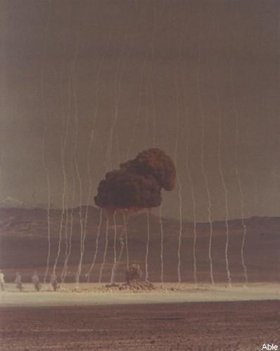 Ảnh màu hiếm về các vụ thử hạt nhân chấn động của Mỹ giữa thế kỷ 20 - Ảnh 8.