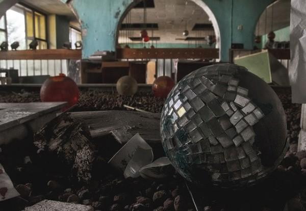 Khám phá bí mật bên trong tòa nhà bỏ hoang từ thời Liên Xô - Ảnh 9.